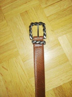 Schlichter brauner BOGNER Gürtel (ohne Logo) mit schicker silberner Schnalle