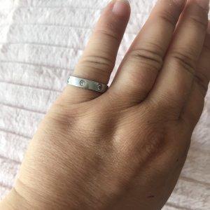 Schlichter silberner Ring mit Strass