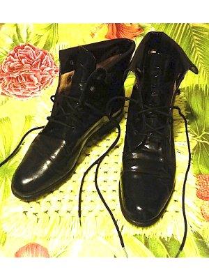 schlichter  Vintage Schnürstiefel