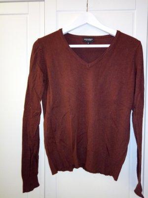 Schlichter weicher Pullover
