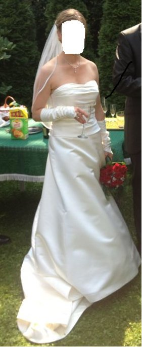 Schlichtes, elegantes Brautkleid von Eglantine Creations