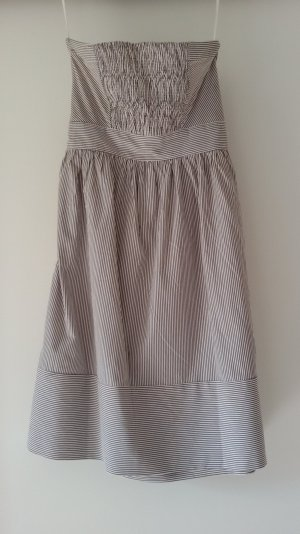 Schlichtes-gestreiftes Kleid