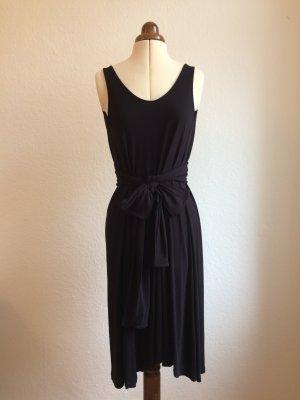 Schlichtes Jersey-Kleid mit Seide