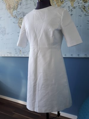 schlichtes Kleid