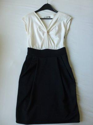 schlichtes Kleid von Koton