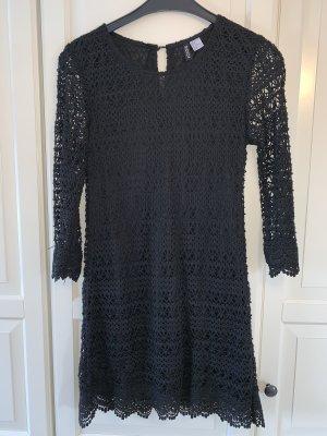 Schlichtes knielanges Kleid