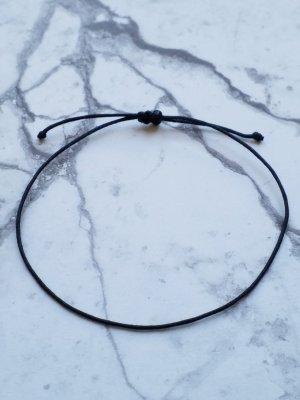 schlichtes minimalistisches  schwarzes Makramee Armband