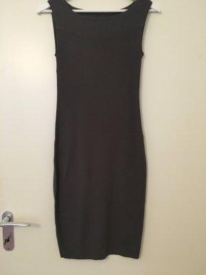 Schlichtes, mittellanges Jersey-Kleid von Marc Cain