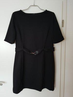 schlichtes, schwarzes Kleid von Zero