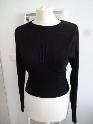schlichtes schwarzes Shirt tailliert fledermausärmel