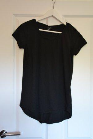 Schlichtes schwarzes T-shirt