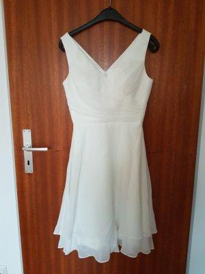 Schlichtes Standesamt Brautkleid