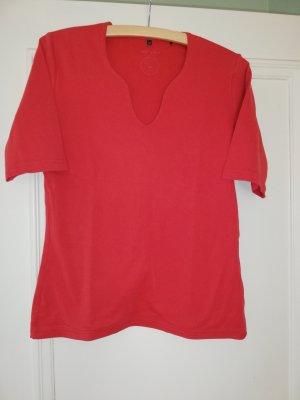 Schlichtes T-Shirt rot mit interessantem Ausschnitt Gr 42