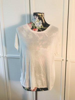 Schlichtes weißes Shirt