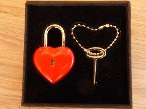 Key Chain black-brick red