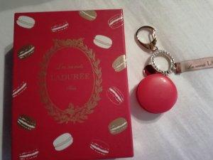 Porte-clés magenta-rouge framboise
