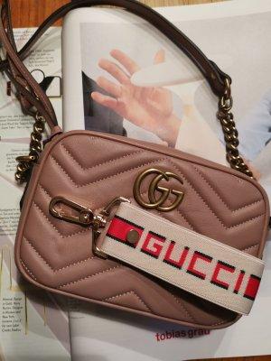 schlüsselanhänger aus  origin recycling Gucci ribbon