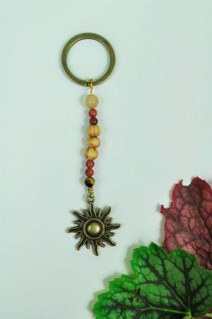 Schlüsselanhänger mit Sonne und verschiedenen Perlen