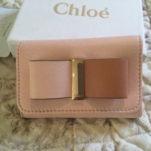 Schlüsseletui von Chloe aus rosa Leder mit Schleife