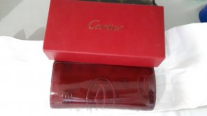 Schlussverkauf!!!Cartier Lacquered Burgundy-colored Pouch
