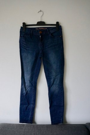 schmal geschnittene Jeanshose