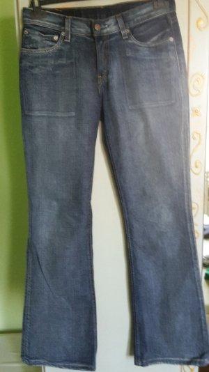 Schmal geschnittene Levi´s Jeans