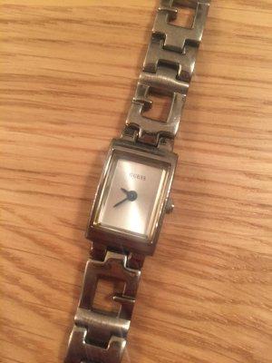 schmale Armbanduhr