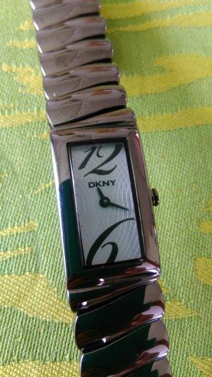 Schmale Armbanduhr von DKNY