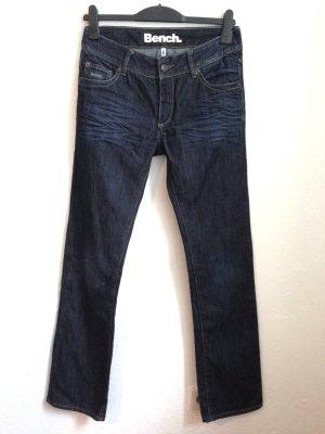 Schmale Jeans von Bench, leicht ausgestellt, Gr. 30, passt Gr. 38/40