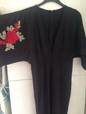 Schmales Jumpsuit mit V-Auschnitt, Stickerein und Kimonoärmel