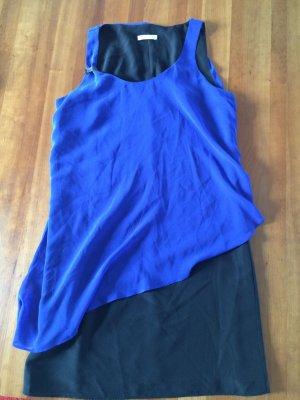 Schmeichelndes Kleid im Lagenlook