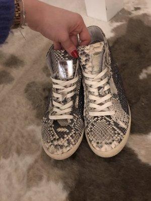 Schmid sneaker