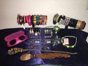 Schmuck Set 72 Teile Ohrringe Armbänder Kette
