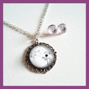 Chain white-silver-colored