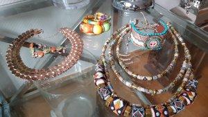 Schmuck-Set Ketten Armbäder Ohrringe