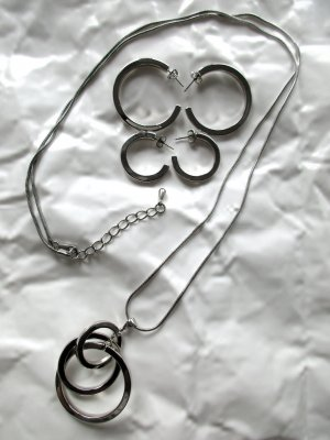 Schmuck Set: TCM Kette Necklace/Ringe, Creolen Messing rhodiniert