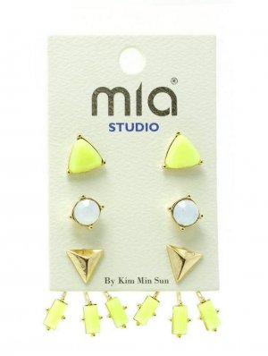 Ear stud neon yellow synthetic material