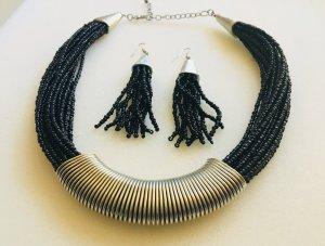 Collier de perles noir-argenté