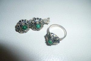 Schmuckset aus Ohrringen und Ring