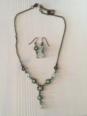 Schmuckset Ohrringe + Kette, grün, Glitzersteine, von Accessorize