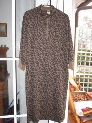 *Schnäppchen*  *KARELIA*   Boutiqueware   Tolles Strickkleid  3/4 Länge  30% Wolle      Angesagter Animalprint  Gr.50