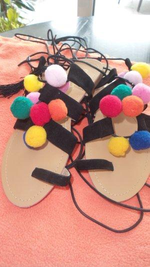 Schnäppchen!!! Supertolle Zehentrenner-Sandalen mit 9 bunten Pompons Leder