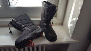 Schnee- Stiefeletten von OLANG in schwarz, gefüttert, mit ausklappbaren Spikes, Größe 38
