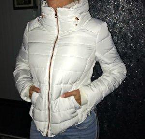 Schneeweiße Zara Jacke kurz