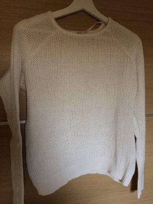 Schneeweißer Pullover kurz