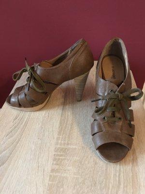 Graceland Tacones con cordones marrón