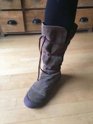 Schnür-Stiefel von Camper (aus Leder mit Gummisohle)