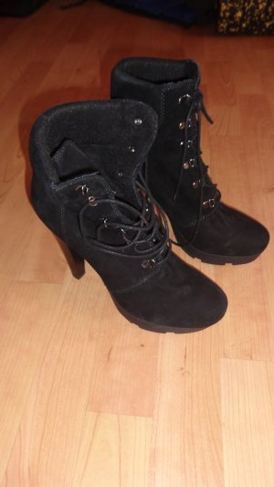 Cafènoir Lace-up Boots black suede