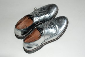 74b3f1a66a366f Schnürer Brogues Schuhe silber   grau in Größe 40. Another A