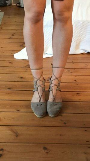 Schnürer taupe Schnürschuhe Espandrilles Römerschuhe Sandalette Sandale zum Schnüren Tamaris wie NEU Größe 39